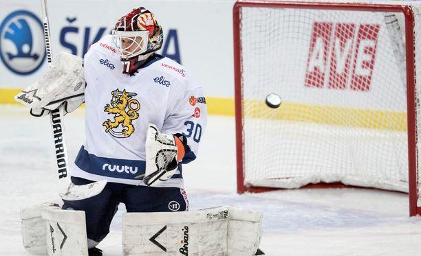 Juha Metsolan taakse ammuttiin kolme kiekkoa.