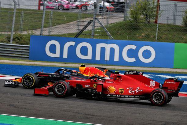 Charles Leclerc oli Unkarin GP:ssä lähinnä hitaasti liikkuva shikaani.