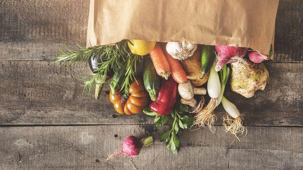 DASH-ruokavaliossa suositaan kasviksia, marjoja ja hedelmiä.