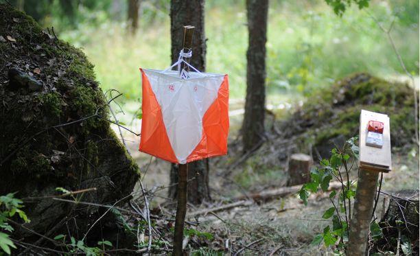 Rastienhakureissulla Hausjärvellä kadonnut nainen löytyi lopulta kilometrien päästä Hyvinkään keskustasta (kuvituskuva).