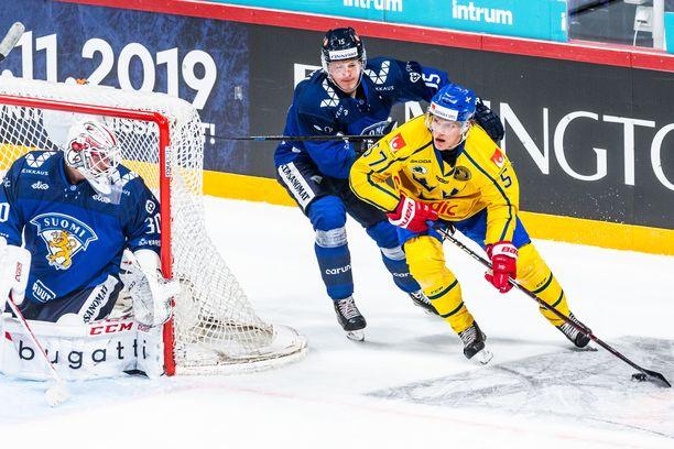 Maalivahti Kevin Lankiselle ja hyökkääjä Arttu Ilomäelle on tarjolla tärkeä rooli Leijonien MM-joukkueessa.
