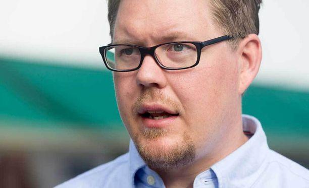 SDP:n eduskuntaryhmän puheenjohtaja Antti Lindtman kommentoi Maria Tolppasen ratkaisua siirtyä demareiden riveihin.