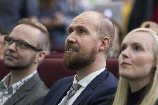 Vihreiden puoluekokouksessa kesäkuussa Olli-Poika Parviainen, Touko Aalto ja Maria Ohisalo.