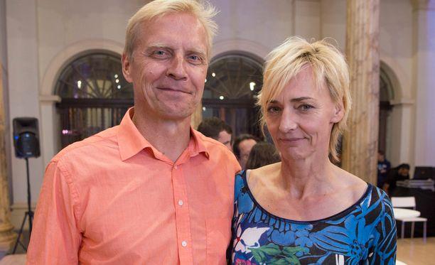 Arto Bryggare esitteli perjantaina Riossa Suomi-talon avajaistilaisuudessa saksalaisen kumppaninsa Heike Drechslerin.