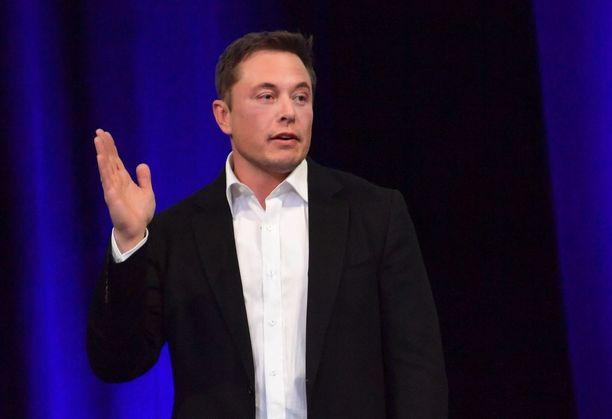 Elon Musk ei jaksanut vastailla analyytikoille Teslan rahahuolista. Arkistokuva.