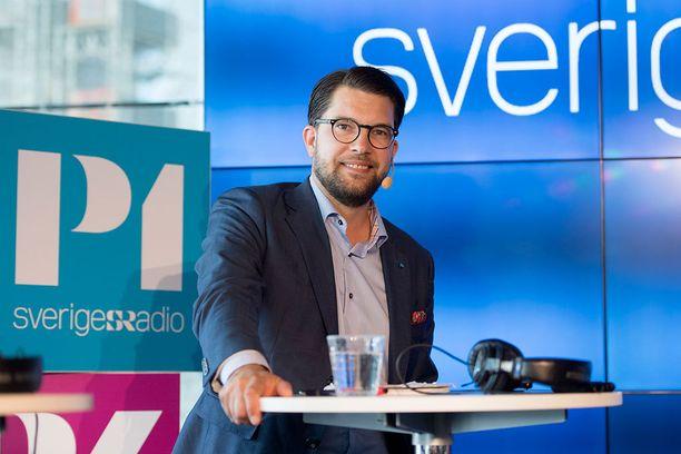Jimmie Åkessonin puolueelle lupaillaan voittoa sunnuntain vaaleissa.