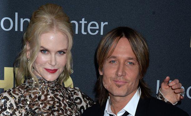 Nicole Kidman ja Keith Urban suosivat kasvokkaista kommunikaatiota.