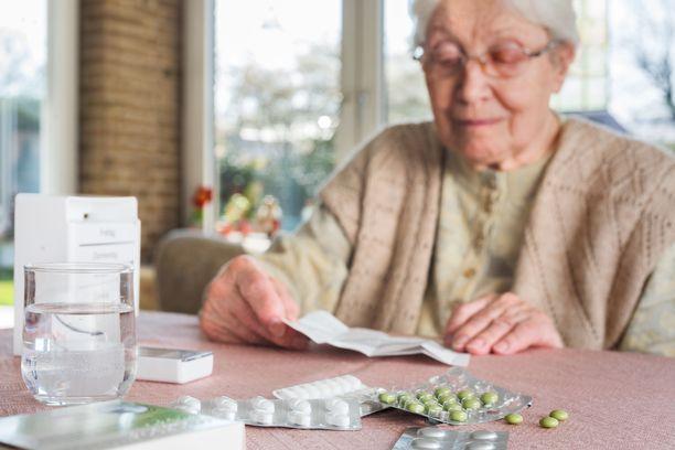 Lääkkeiden syömisessä pitää noudattaa annettuja ohjeita. Jos lääkkeitä on useita, niiden annostelu ja syöminen voi olla monimutkainen prosessi.