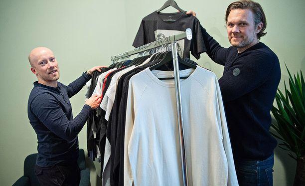 Pure Waste Textilesin liikevaihto on kasvanut tasaisesti ja se luo uskoa ylijäämätekstiilien 100-prosenttiseen kierrätykseen.–Alkuun meihin ei uskottu ollenkaan. Nyt alkaa olla jo historiaa ja luottoa, toimintamme otetaan ihan eri tavalla vakavissaan, iloitsevat Jukka Pesola ja Hannes Bengs.
