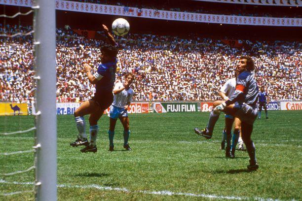 Diego Maradona rankaisi Englantia kesällä 1986 kahdella historiallisella mutta sangen erilaisella maalilla.