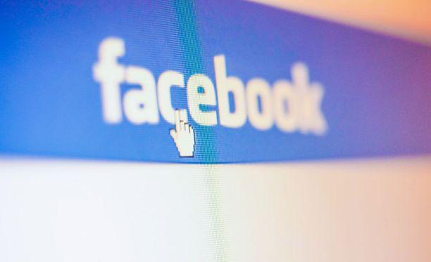 Vaikka nyt kiertävä huijausviesti ei pidäkään paikkaansa, sosiaalista mediaa käyttäessä kannattaa pitää mielessä se, palvelut voivat muuttaa käyttäjäehtojaan milloin he itse haluavat.