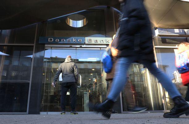 Viime vuosina yhä useampi pankkikonttori Suomessa on suljettu, ja asiakkaita ohjataan hoitamaan asiansa verkossa. Kuvituskuva.