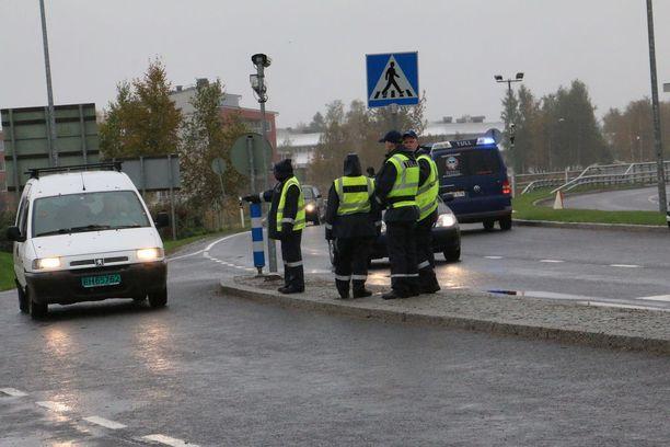 Irakilaisia on tuotu Ruotsin kautta Tornioon järjestelykeskukseen.