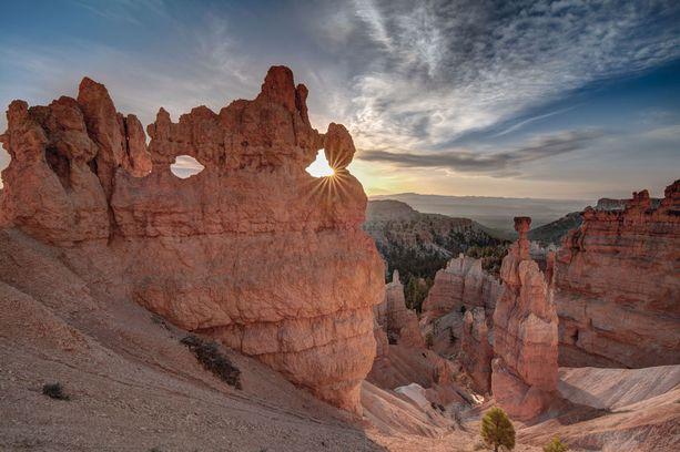 Bryce Canyonin kiinnostavia kivimuodostelmia.