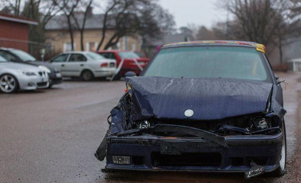Pahimmat vauriot kärsi kuskin oma auto.