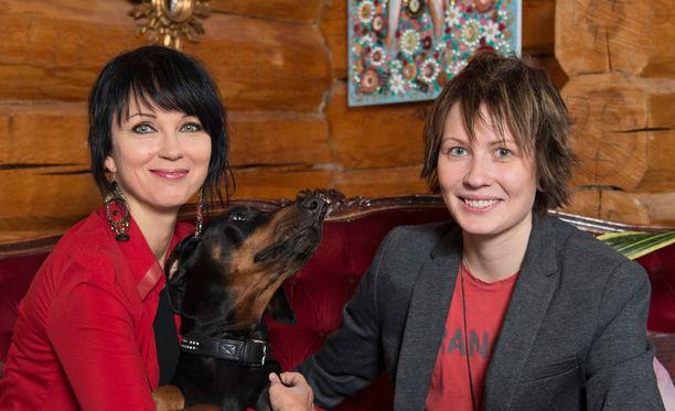 Katariina Souri ja Eliya Zweygberg ovat pitäneet yhtä vuodesta 2015 saakka.