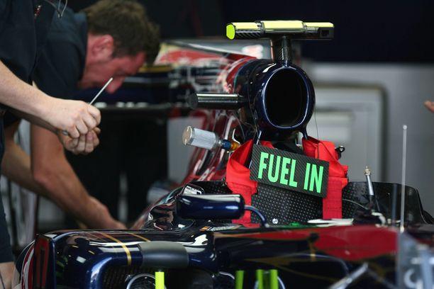 Välitankkaukset poistuivat Formula ykkösistä vuonna 2010.