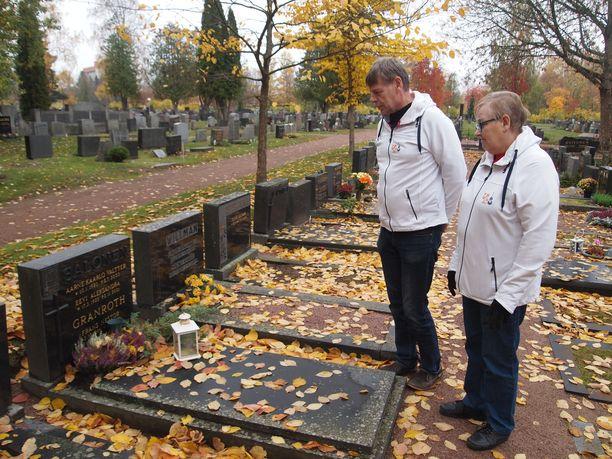 Kersantti Salonen on ainoa Poriin haudattu Mannerheim-ristin ritari. Seuraavaksi lähin ritarihauta löytyy Karvian vanhalta hautausmaalta runsaan 80 kilometrin päästä, Jorma Ojala sanoo.