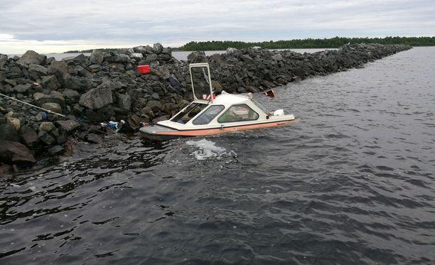 Merivartiosto julkaisi kuvan onnettomuudesta maanantaina.
