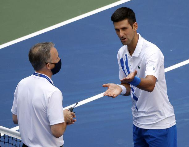 Novak Djokovicin selittelyt eivät auttaneet.