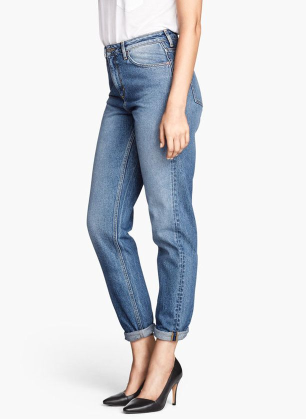 H&M:n Mom-farkuissa on väljä malli ja korkea vyötärö.