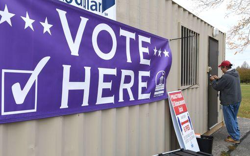 """Äänestäjiä uhkaillaan Yhdysvalloissa: """"Äänestä Trumpia tai tulemme perääsi"""""""