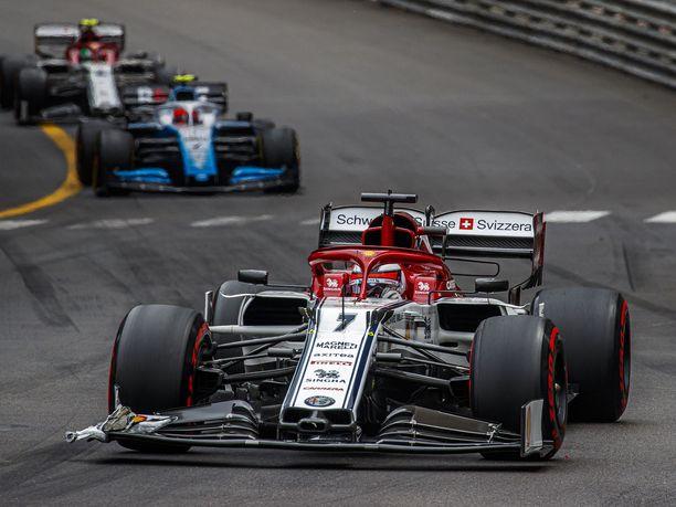 Kimi Räikkösellä on ollut vaikea kisa Monacossa.