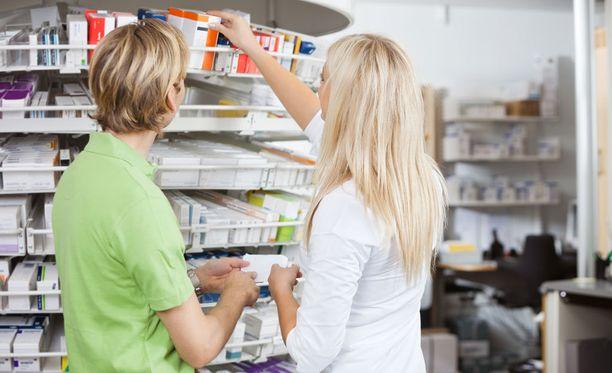 Alkuomavastuu tarkoittaa sitä, että asiakas maksaa korvattavat reseptilääkkeensä 50 euroon asti kokonaan itse.