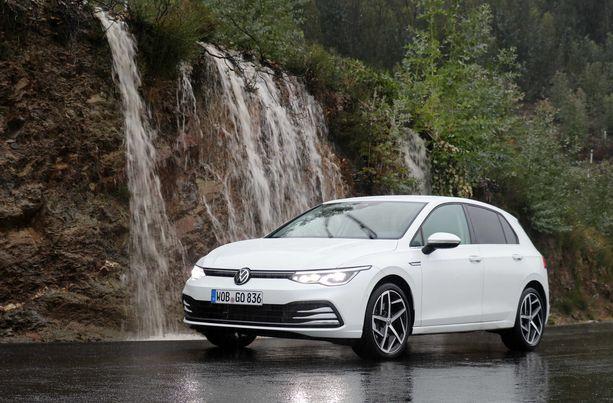 Suomen suosituin auto ja sen kahdeksas sukupolvi on esitelty.