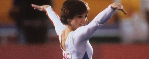"""""""Pokaalit pölyttyvät. Muistot säilyvät ikuisesti."""" -Mary Lou Retton, telinevoimistelun olympiavoittaja"""