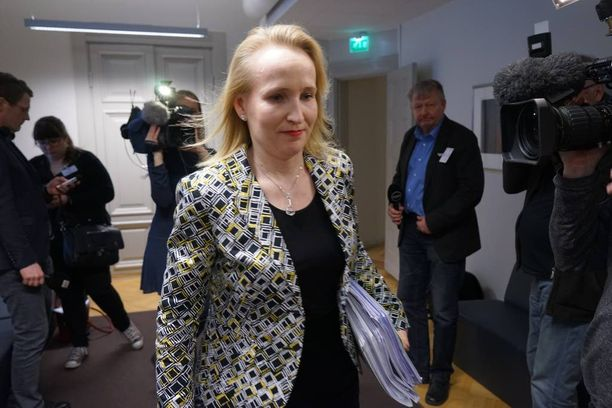 Valtakunnansovittelija Minna Helle paimensi omalta osaltaan kilpailukykysopimusta maaliin omassa puheenvuorossaan Elinkeinoelämän keskusliiton kevätkokouksen seminaarissa.