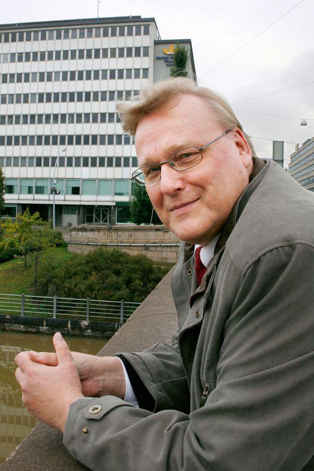 Teamin puheenjohtaja Timo Vallittu kritisoi kovin sanoin uutta hallitusta.