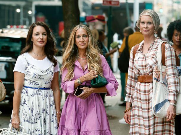 Sarah Jessica Parker, Kristin Davis ja Cynthia Nixon uusivat legendaariset roolinsa uutuussarjassa.