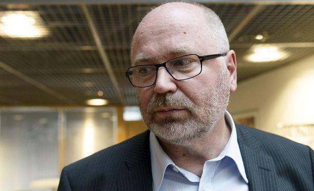 Eero Heinäluoma kehottaa Kauppalehden ex-päätoimittajaa todistamaan väitteensä.
