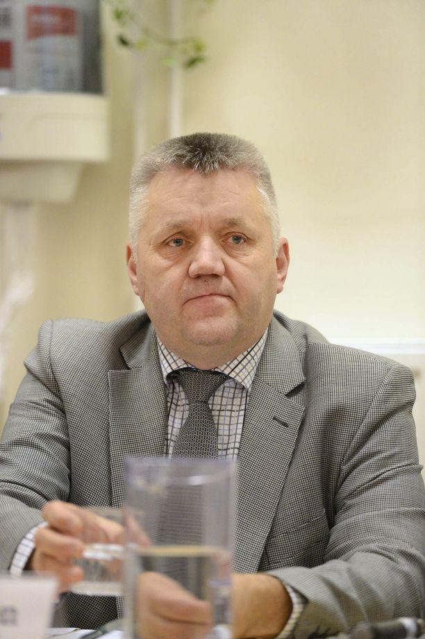 Kristillisdemokraattien Kauko Turunen ei säästellyt kampanjansa kuluissa.