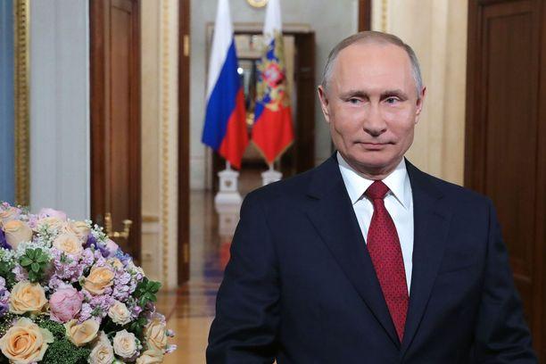 Vladimir Putinille junaillaan jatkoa.