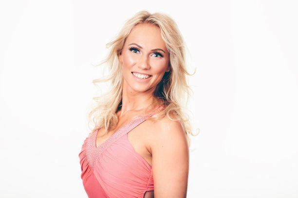 Brianna Määttä,25, Vantaalta. Kolmen lapsen äiti.
