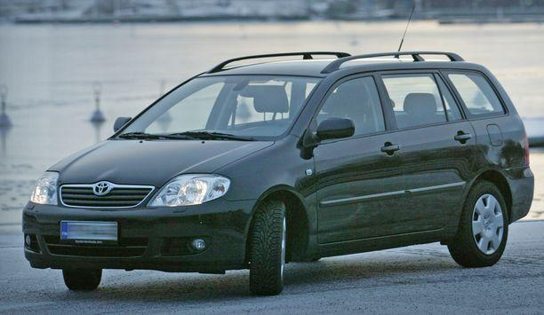Peltipoliisin mukaan Maijan Toyota Corollalla oli ajettu ylinopeutta Oulussa. (EI KUVAN AUTO).