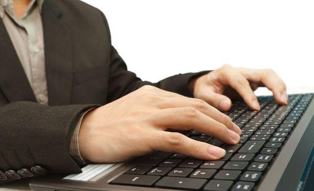 Esimerkiksi ammattiliiton järjestämä verkkovalmennus kerryttäisi ehdotuksen mukaan jatkossa aktiivisuutta.