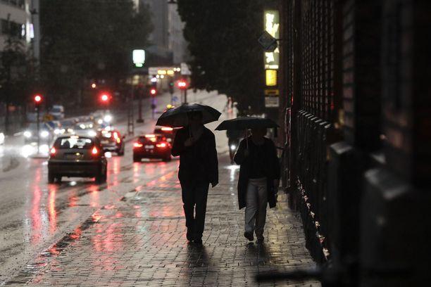 Kuluva viikko on marraskuulle tyypillisesti harmaa ja sateinen.