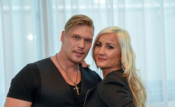 Aki ja Rita ovat olleet yhdessä jo vuosia. Suomalaisille kaksikko tuli tutuksi Temptation Islan Suomen myötä keväällä 2015.