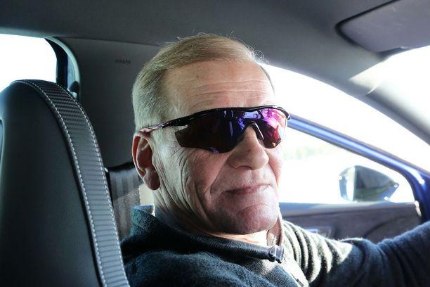 Juha Kankkunen muistuttaa, että jos keli on huono, niin nopeusrajoituksen nopeutta ei ole pakko ajaa. Tilannenopeus on tärkein.