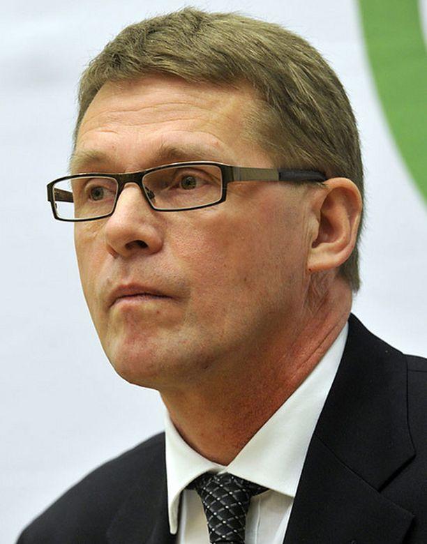 Matti Vanhasen mukaan yliopisto-opiskelun myynti tulisi sallia Aalto-yliopistossa mahdollisimman pian.