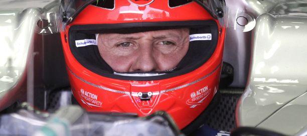 F1-suuruus Michael Schumacher on yhä koomassa. F1-maailma kaipaa häntä.