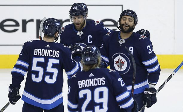 Winnipeg Jetsin pelaajilla oli runkosarjan kotipeleissään syytä hymyyn. 41 kotipelin saldo oli 32-9.