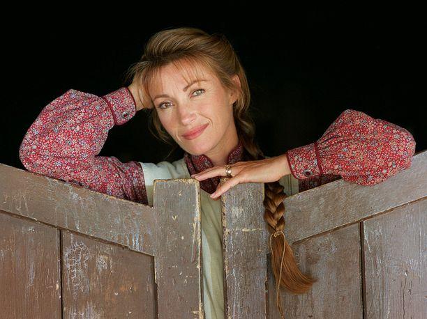 Näin hempeänä Jane Seymour esiintyi Tohtori tuli kaupunkiin -sarjassa.