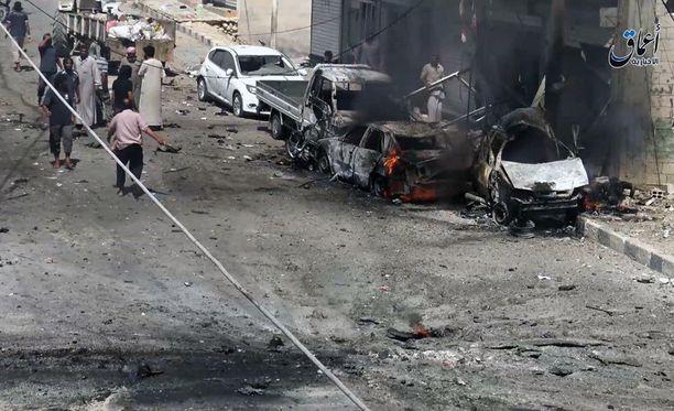 Isis käytti 2000 ihmistä ihmiskilpenä Syyriassa vetäytymisessä.