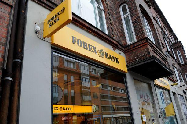 Kavaltaja työskenteli Forexissa, mutta sai potkut.