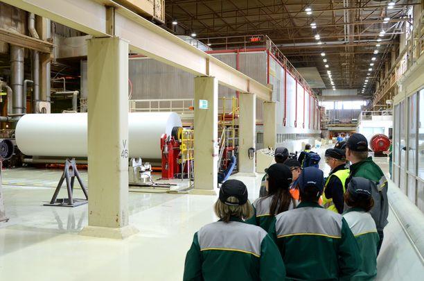 UPM sulkee SC-paperikoneen Raumalla. Kuva UPM:n Rauman paperitehtaan paperikone 3:n viimeiseltä tuotantopäivältä 19.3.2013.