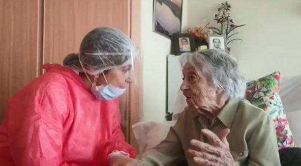 Maria Branyasilla (oik.) on 86-vuotias lapsi ja 60-vuotias lapsenlapsi.